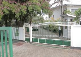 Paramaribo, 4 Bedrooms Bedrooms, ,2 BathroomsBathrooms,Woning,Te koop,1074